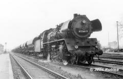 """<p style=""""text-align:center"""">41 1144 in Haldensleben mit Güterzug nach Oebisfelde am 01.11.1981  <br><br>Foto: Jens Ruttke</p>"""