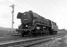 "<p style=""text-align:center""> 44 0486 in Roßlau als Lzv 56405  im Jahr 1981   <br><br>Foto: Jens Ruttke</p>"
