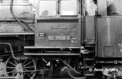 "<p style=""text-align:center"">50 3508 abgestellt im Bw Salzwedel am 07.08.1982 <br><br>Foto: Jens Ruttke</p>"