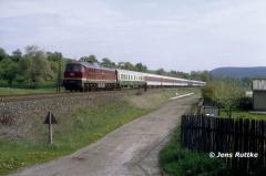 "<p style=""text-align:center"">234 591 mit IC nach Nürnberg bei Großeutersdorf 08.05.1992 <br><br>Foto: Jens Ruttke</p>"