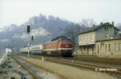 """<p style=""""text-align:center"""">232 194 in Dornburg vor D-Zug nach Naumburg im Februar 1994 <br><br>Foto: Jens Ruttke</p>"""