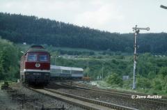 "<p style=""text-align:center"">232 424 in Kahla mit IC nach Nürnberg im Mai 1994 <br><br>Foto: Jens Ruttke</p>"